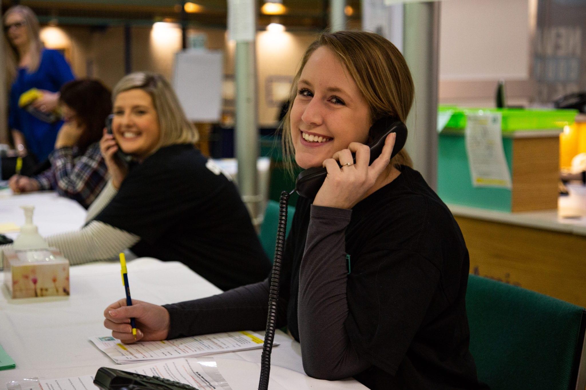 AL employees volunteer at the 8th annual Radiothon for The Moncton Hospital / Les employés de la Loto font du bénévolat au 8e Radiothon annuel pour L'Hôpital de Moncton